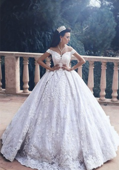 Lace Appliques Princess Bride Dress Luxurious 2018 Off-The-Shoulder Ball-Gown Wedding Dress
