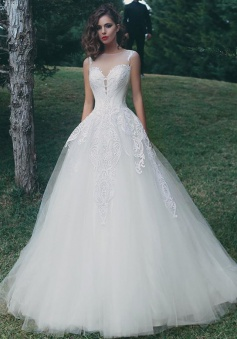 Tulle Appliques A Line Elegant Summer Bride Dress 2018 Sleeveless Glamorous Wedding Dress