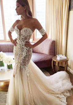 Sexy Strapless Mermaid Bride Dress 2018 Open Back Sweetheart Wedding Dress with Long Tulle Train