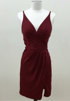 Sheath V-Neck Sleeveless Short Maroon Satin Bridesmaid Dress Ruched with Split