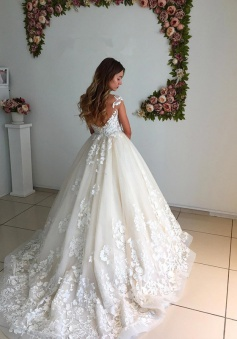 Appliques Lace Floor Length Ball Gown 2018 Backless Court-Trian Wedding Dress