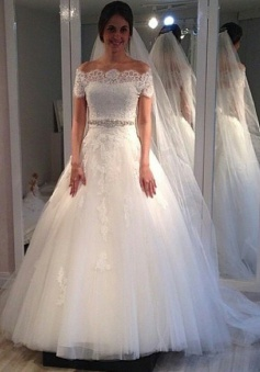 Off-the-shoulder Sweep-Train Short-Sleeves Elegant A-line Lace Wedding Dress