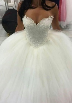 Sweetheart Ball Gown Wedding Dress Sleeveless Amazing Beaded Lace Wedding Dresses BA4355