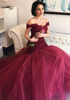 Off The Shoulder Burgundy Lace Evening Gowns Tulle Mermaid 2018 Prom Dresses BA4286