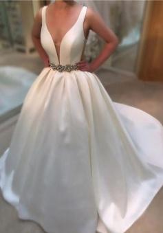 V-neck Sweep Train 2018 Bride Dress Newest A-line Sleeveless Beads Wedding Dress