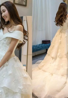 Off-the-Shoulder Glamorous Floor-Length Princess Lace Ruffles Wedding Dress