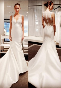 Classic V-Neck Lace Appliques Bridal Gowns Cheap Sleeveless Mermaid Buttons Wedding Dress 2018