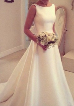 Elegant A-Line Backless Wedding Dresses Sleeveless Bowknot Sweep Train Bridal Gowns