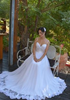 2018 Beading Straps Wedding Dresses A Line Lace Vintage Bridal Dress Long