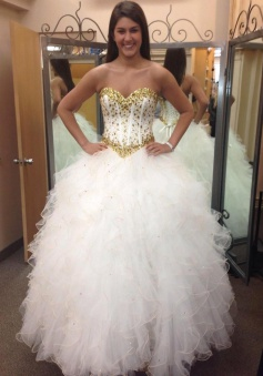Sweetheart Crystal Tulle Bridal Gowns Floor Length Lace Up Wedding Dresses