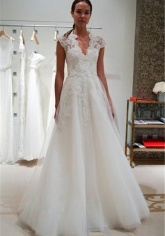 A-line Cap Sleeve Wedding Dress V-neck Lace Appliques Bridal Gowns with Buttons