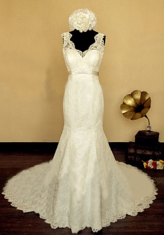 2018 Elegant V-neck Lace Wedding Dress Mermaid Long Train Bridal Gowns with Beading Sash