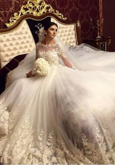 Stunning 2018 Royal Wedding Dresses Vintage Long Appliques Sleeved Arabic Wedding Gowns