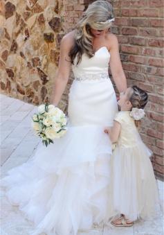 2018 Strapless Ruffles Wedding Dresses Mermaid Open Back Sheath Bride Dress with Crystals Belt