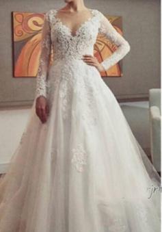 New Arrival Tulle Long Sleeve Wedding Dress Elegant Court Train Lace Applique Bridal Gown