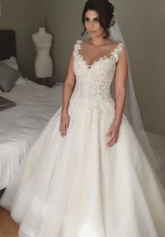 Latest A-line Lace Applique 2018 Bridal Gown Open Back Sleeveless Court Train Wedding Dress JT116