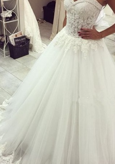 New Arrival Sweetheart Tulle Wedding Dress A-line Lace Applique Princess Dress 2018