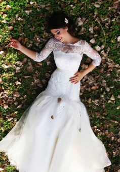 Half Sleeve Mermaid Wedding Dress with Lace Tulle Long Train Bridal Gown