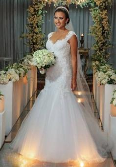 New Arrival Mermaid Floor Length Wedding Dress Elegant Lace Open Back Bridal Gowns