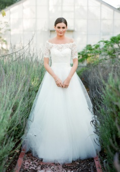New Arrival Bateau Short Sleeve Lace Wedding Dresses A-Line Tulle Plus Size Bridal Gown