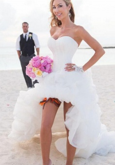 New Arrival Sweetheart White Hi-lo Wedding Dress Popular Organza Summer Beach Bridal Gowns