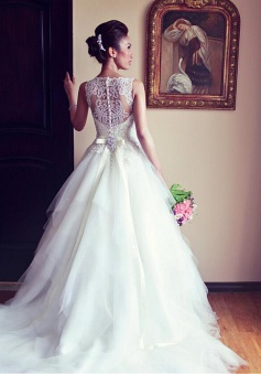 Latest Crystal White Tulle Wedding Dress with Beadings Court Train Lace Formal Bridal Gown