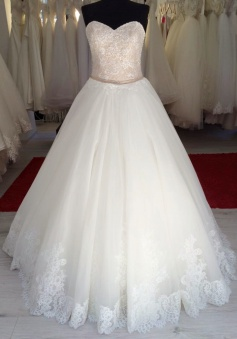 Beautiful Sweetheart Lace Long Bridal Gown Elegant Lace-up Plus Size Belt Wedding Dress