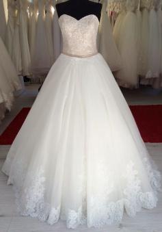 Beautiful Sweetheart Lace Long Bridal Gown Elegant Lace-up Plus Size Belt Wedding Dress