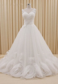 V-Neck Ruffle Tiered Crystal Formal Bridal Gowns White Court Train Designer Plus Size Wedding Dresses
