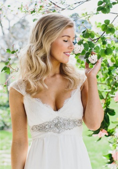 Simple Chiffon Lace Summer Wedding Dresses V Neck Empired Floor Length Plus Size Beach Wedding Dresses for Brides