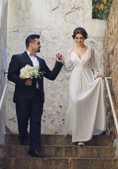 Ivory Chiffon Long Bubble Sleeve Vintage Wedding Dresses Simple Plus Size Wedding Reception Gowns with Belt