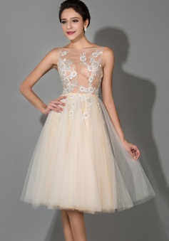 Tulle Sheer Back Knee Length Applique Sexy Wedding Dresses Custom Fashionable Affordable Tiered Short Dresses for Women