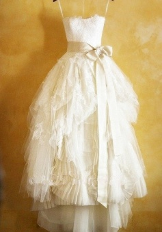 Cute Fitted Spaghetti Strap Lace Wedding Dresses Tulle Popular Tiered Modest Bridal Dresses with Bowknot