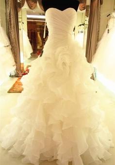 Ruffles Tiered High Quality Wedding Dresses 2018 with Long Train Organza Bridal Dress