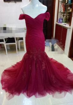 Sweetheart Off Shoulder Burgundy Mermaid Lace Appliques Long Prom Dress