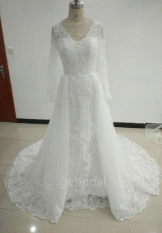 Long Sleeves mermaid V Back Lace Wedding Dress