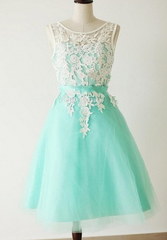 High Quality Mint Green A-line Jewel Homecoming Dress with Appliques and Sash