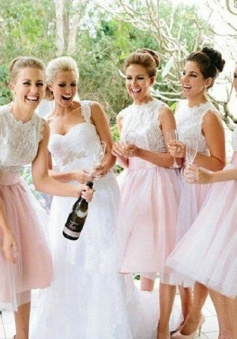 Simple A-Line Jewel Sleeveless Lace Top Short Bridesmaid Dress