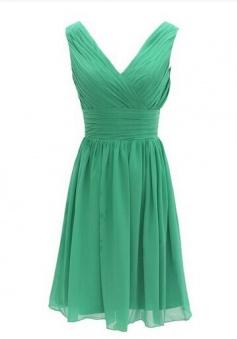New Style V Neck  Knee Length Pleats Chiffon Green Bridesmaid Dress