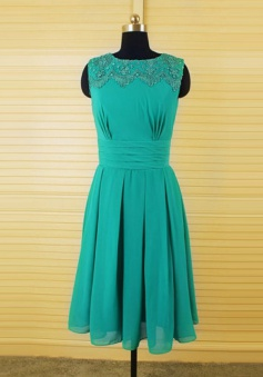 Simple A-Line Knee-Length Green Bridesmaid Dress With Beading