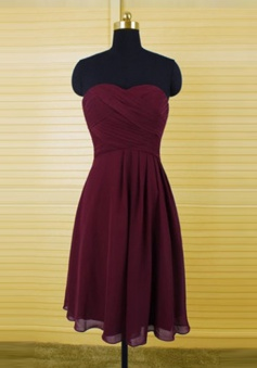 Classic A-Line Sweetheart Knee Length Burgundy Bridemaid Dress with Ruffles