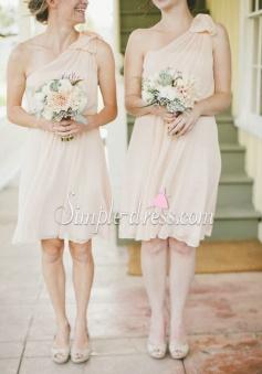 Elegant One-shoulder Knee-length Chiffon Bridesmaid Dress