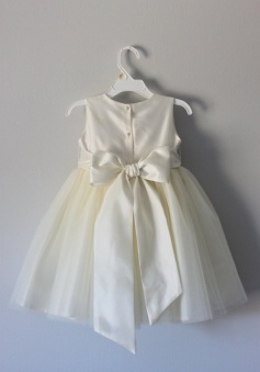 Hot-selling A-line Scoop Sleeveless Tulle Sash Bow Flower Girl Dress