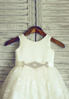 Fashion A-line Scoop Knee-Length Bow Zipper-up Lace Flower Girl Dress
