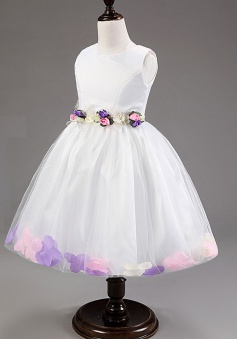 Cute Bateau Sleeveless Knee-Length White Organza Flower Girl Dress with Handmade Flowers Sash