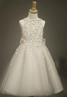 Stylish Bateau Sleeveless Knee-Length Silver Flower Girl Dress with Appliques Beading Bowknot