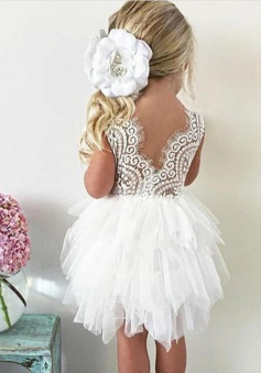 Ball Gown Round Neck Short White Tulle Flower Girl Dress with Lace