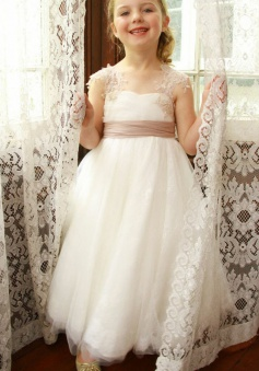 A-Line Square White Tulle Flower Girl Dress with Sash Appliques Lace