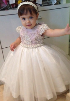 Ball Gown Round Neck Cap Sleeves Light Pink Tulle Flower Girl Dress with Pearls