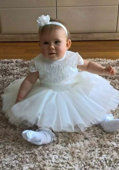 A-Line Round Neck Short White Tulle Flower Girl Dress with Lace